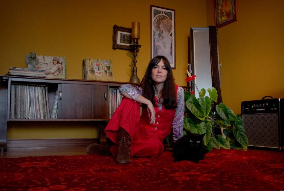 Sara Íñiguez en su casa de Getxo. © Rita Mott